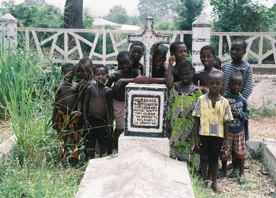 The grave of Lt Thompson. The first British Officer to be killed in WW1 Whala Cemetery Togo - Mike Rimmer