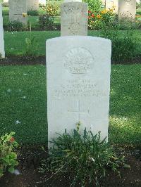 [IMAGE] Cairo War Memorial Cemetery - Mowbray, Norma Violet