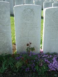 Gezaincourt Communal Cemetery Extension - Morgan, Thomas Henry