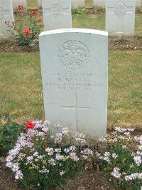 Connaught Cemetery - Bryans, R