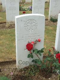 Connaught Cemetery - Stratton, W J
