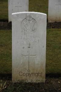 Ancre British Cemetery Beaumont-Hamel - Furgrove, W